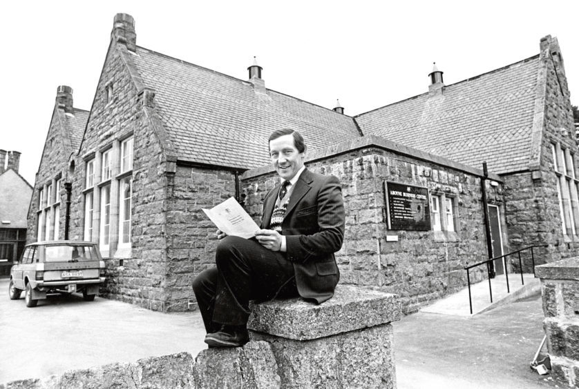 Back to school at Aboyne for Kincardine and Deeside Councillor Alexander Grant