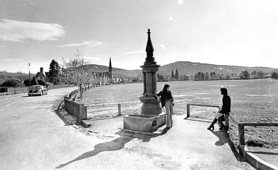 A view of Charlestown Green and Road in Aboyne