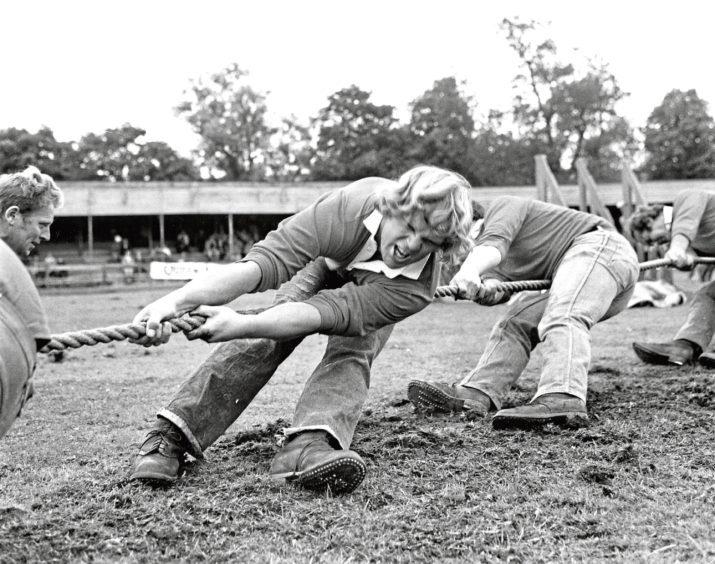 The Elgin tug-of-war team in the semi-final contest