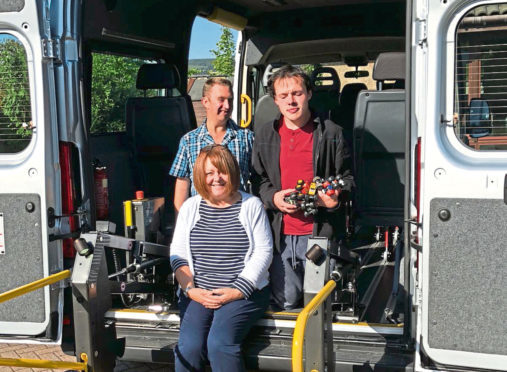 Fiona Heinonen, CSR Analyst at Nexen Petroleum U.K. Limited met Jonathon and James at Archway Dyce to see the new bus