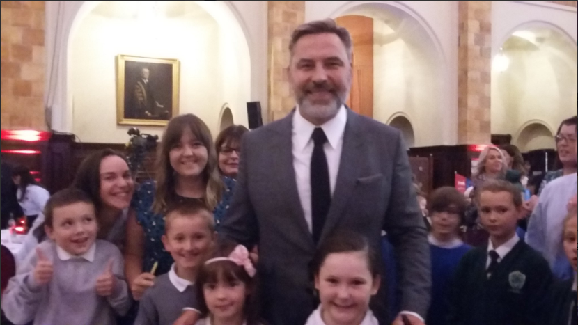 The Woodside Primary pupils with David Walliams