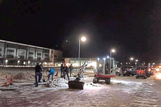Snow clearing Ellon Academy