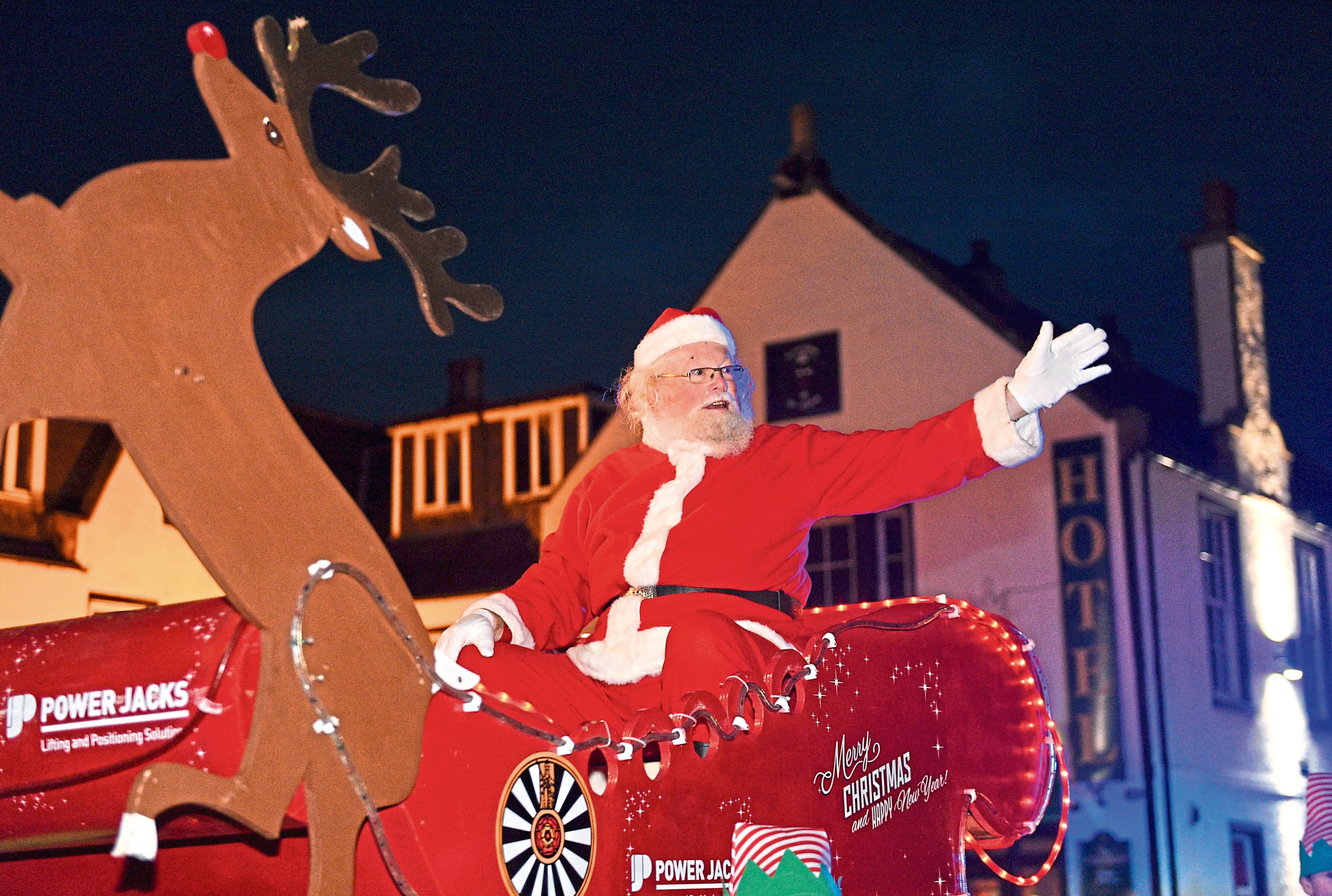 Pictured is the Ellon Christmas Parade. Pictured is Santa in the parade. Picture by DARRELL BENNS     Pictured on 17/11/2018