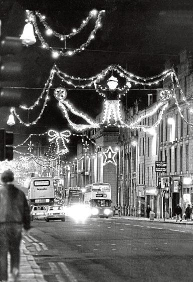 1987: Christmas lights on Union Street in December 1987