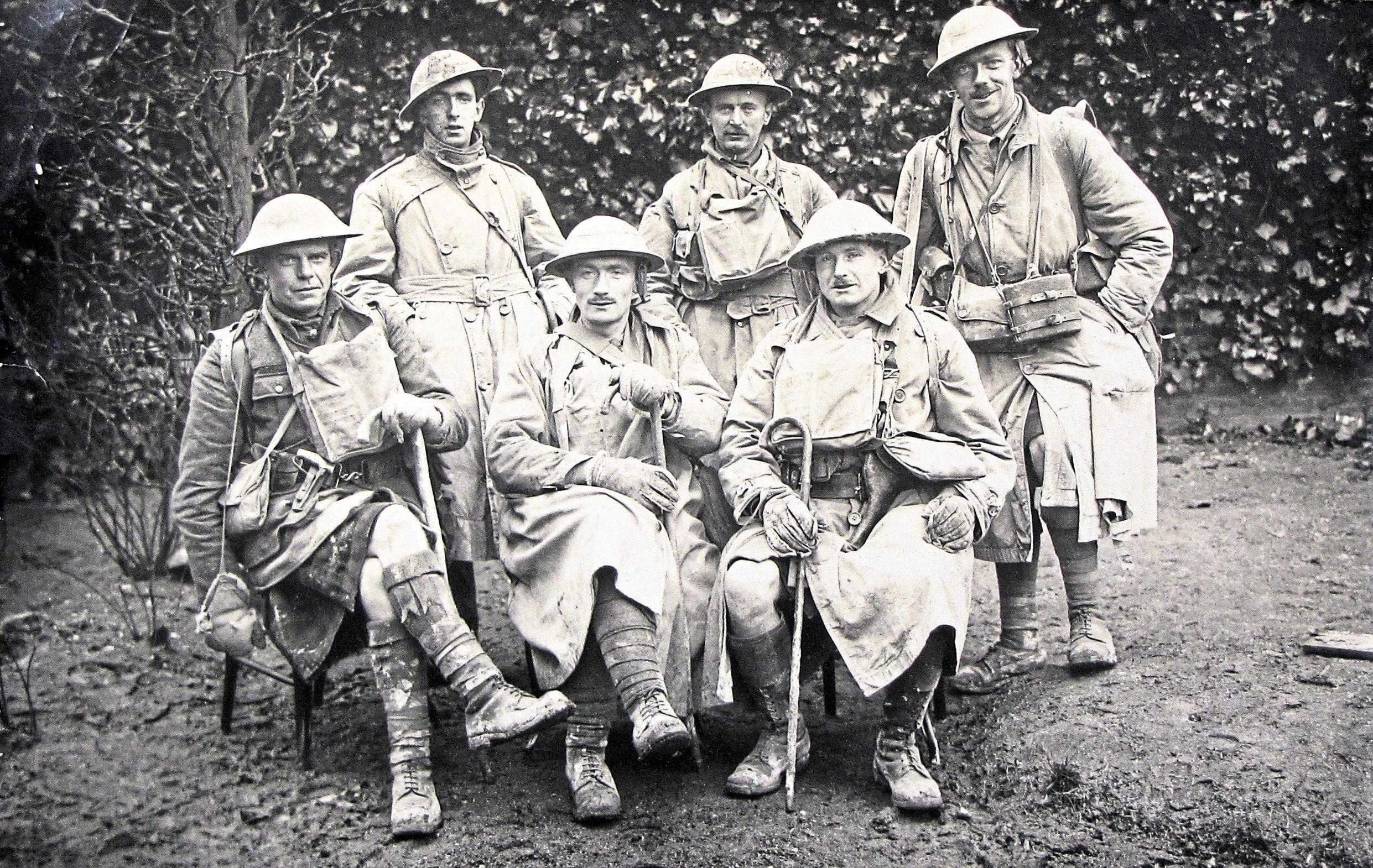 Gordon Highlanders officers 'somewhere in France'