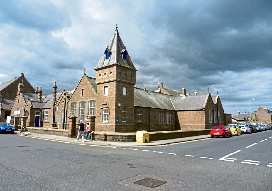 53 WINDMILL STREET/GLENUGIE BUSINESS  CENTRE  Council buildings in Peterhead that are up for sale.