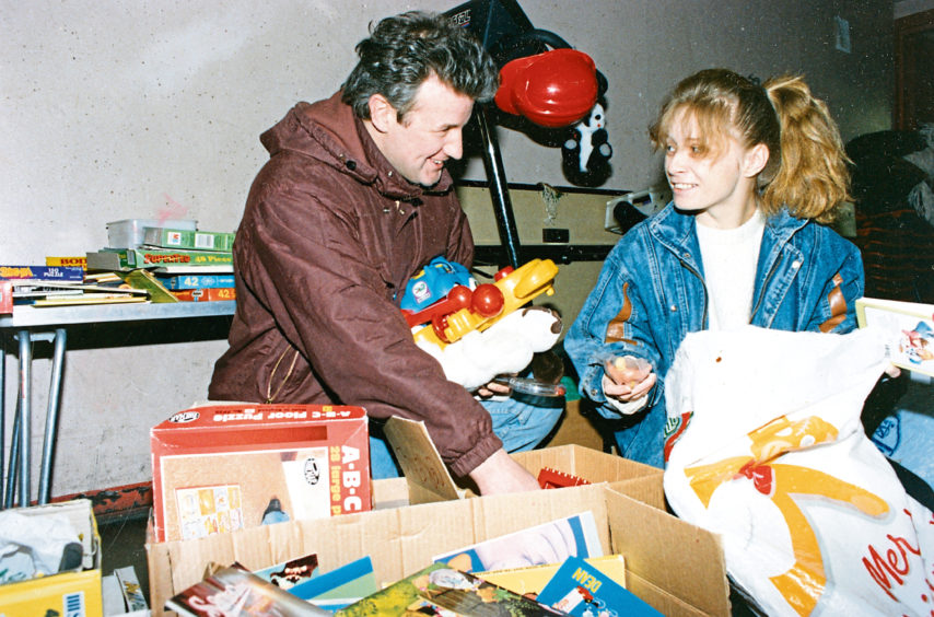 1992: Peter Robertson and Donna Simpson aim to make this Christmas a happy one for their families.