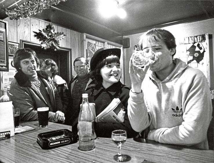 1980: A Salvationist visits the Lochside Bar in Aberdeen