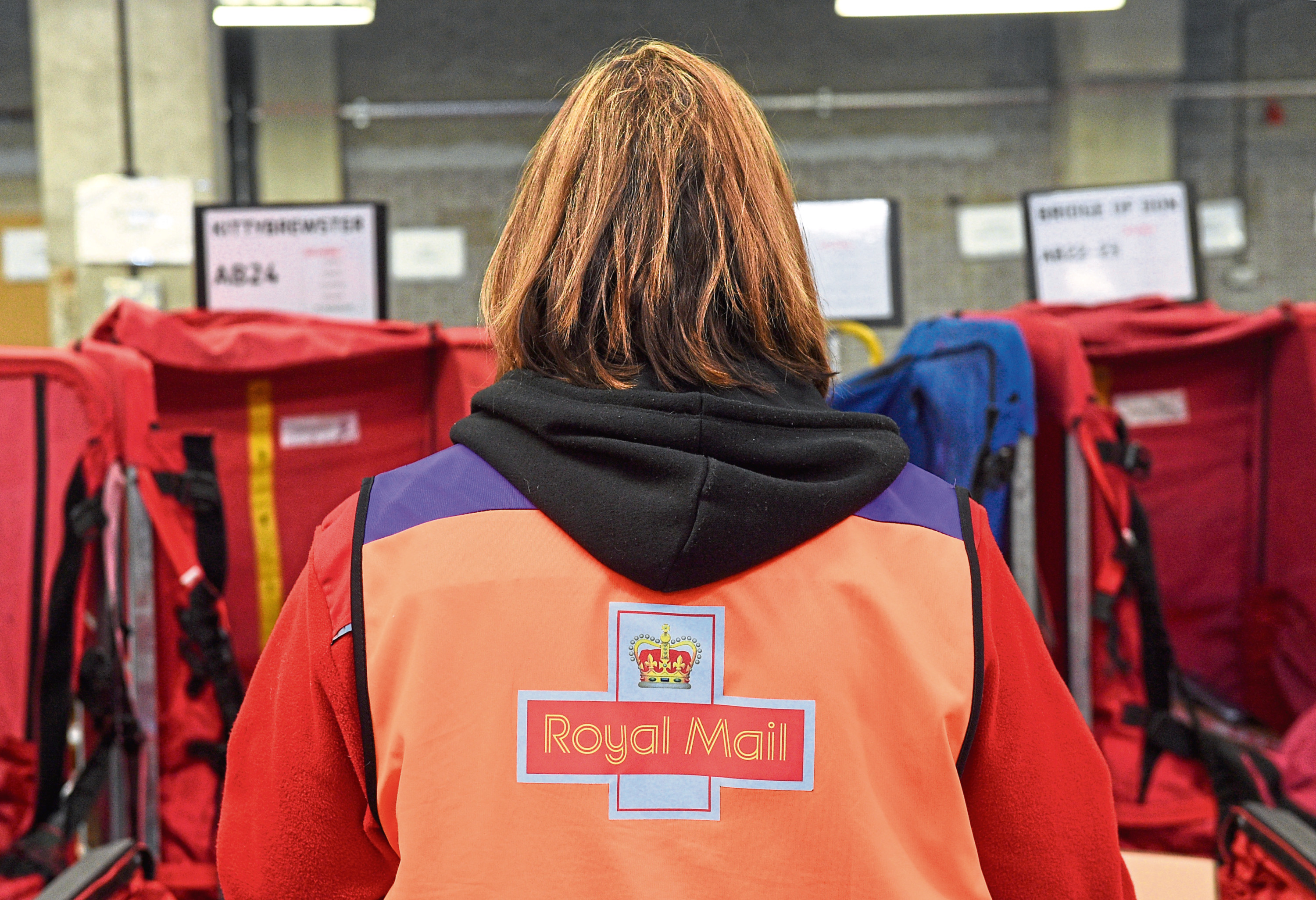 Royal Mail workers have been told not to give customers hand-held devices to sign