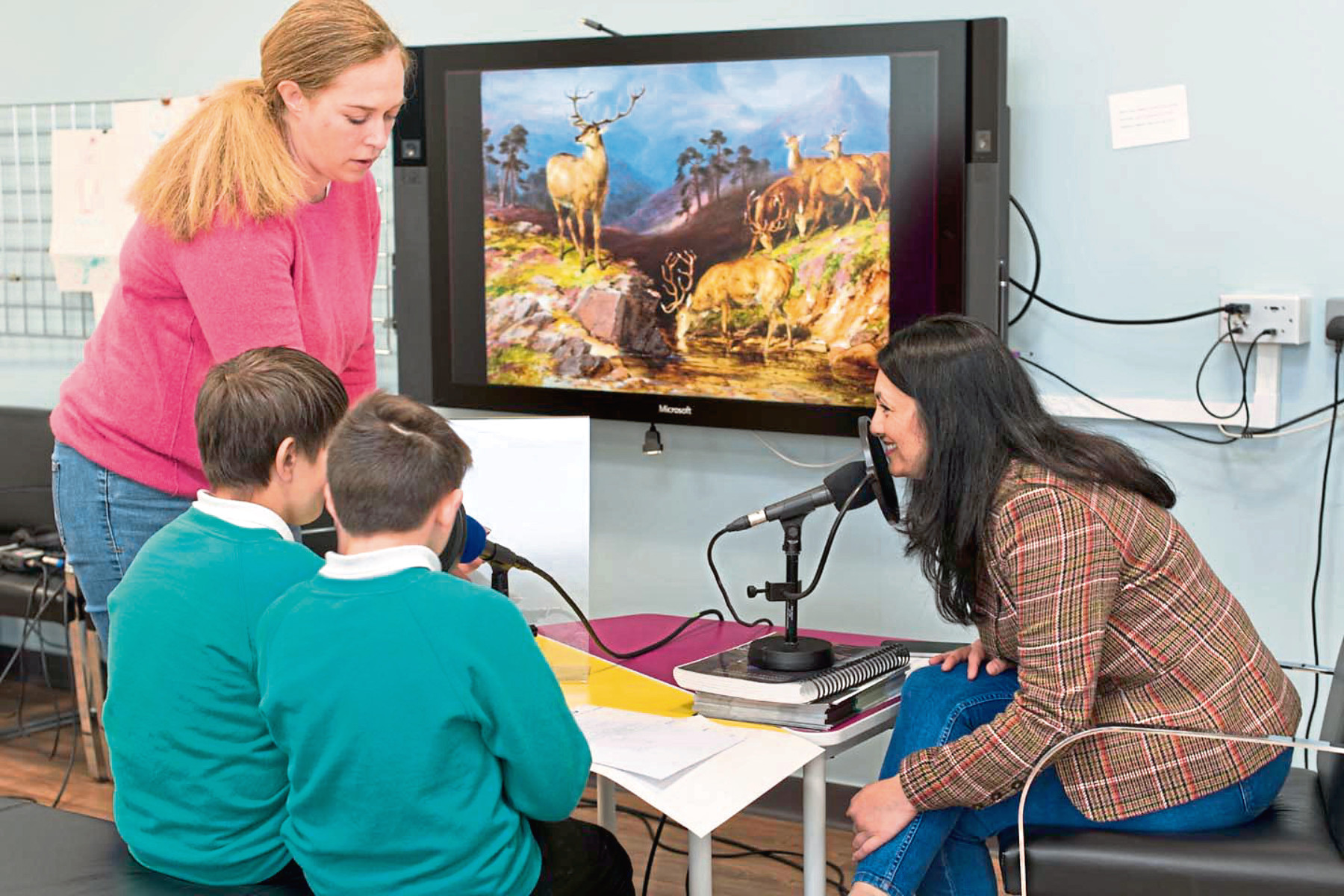 Audio producer Erin Macguire, Rachel Thibbotumunuwe, Aberdeen Art Gallery learning manager and pupils from Manor Park Primary School