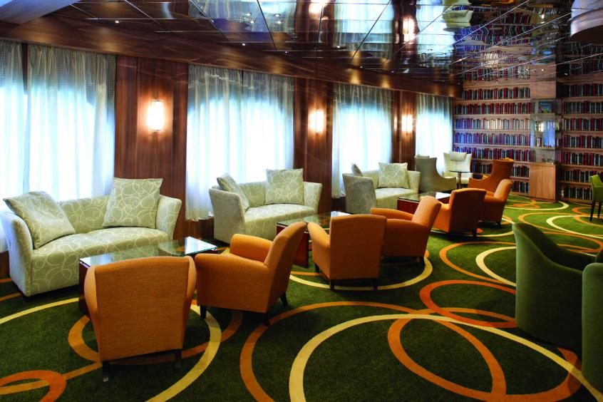 Hampton Lounge