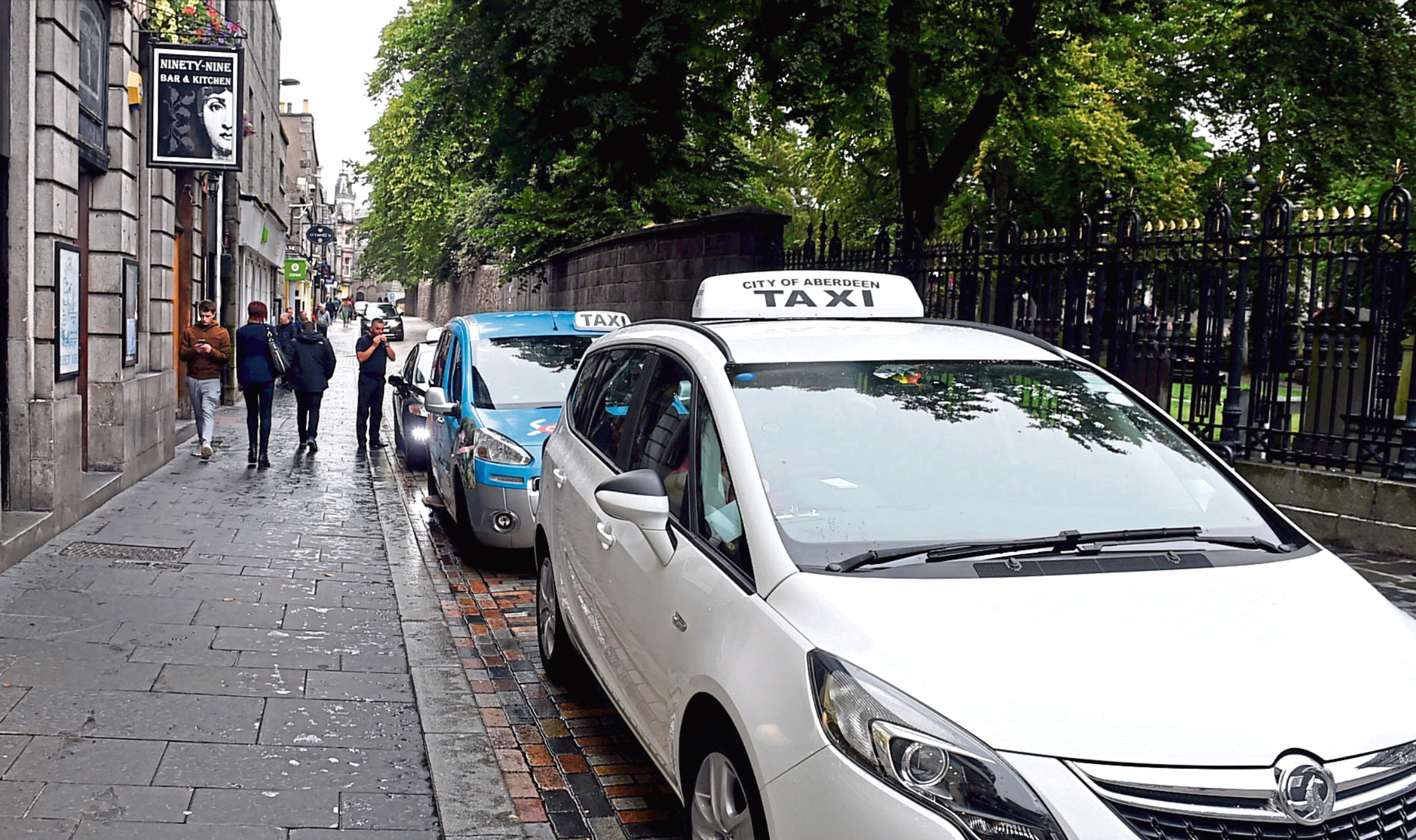 The review is aimed at bringing taxi fares in line with the airport drop-off charge
