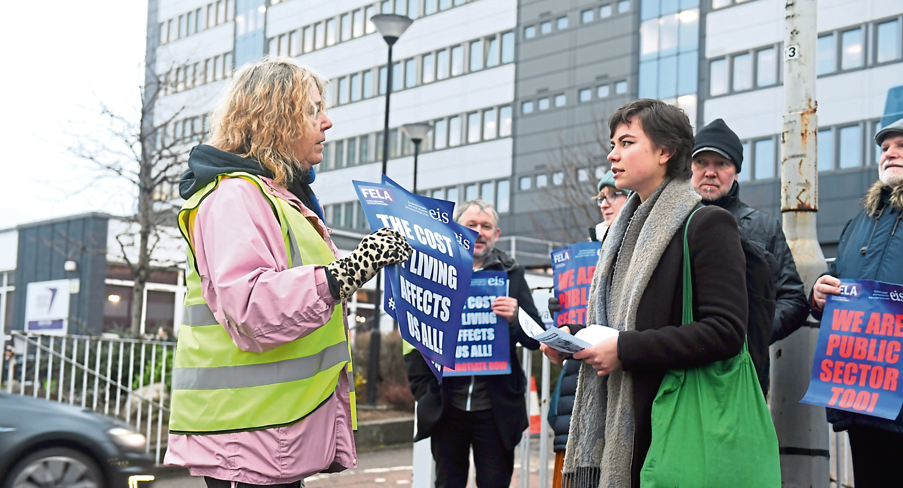 A group of lecturers were picketing outside Aberdeen, Fraserburgh and Moray branches of NESCol today