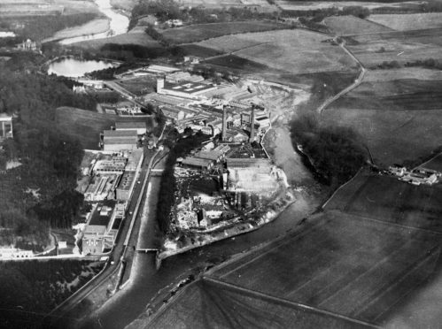 Stoneywood paper mill on the River Don. Date unknown