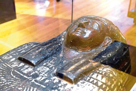 Exhibition on the mummy Ta-Kheru.