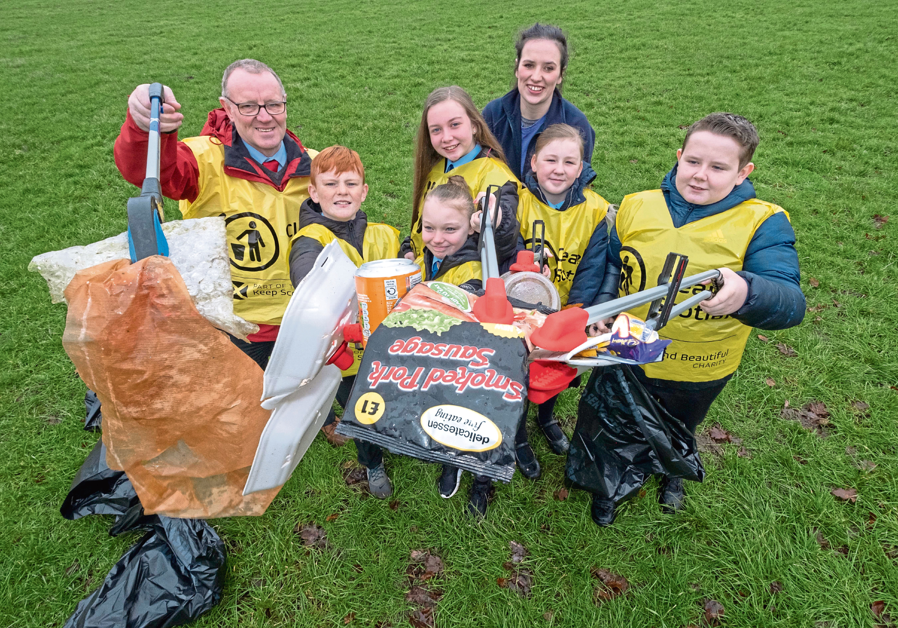 Keep Scotland Beautiful is urging people in Aberdeen to take part in their Clean Up Scotland scheme
