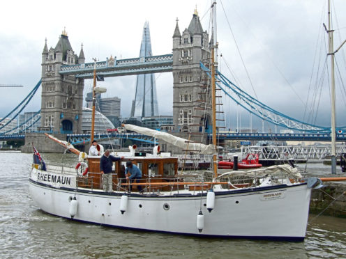 Sheemaun at Tower Bridge
