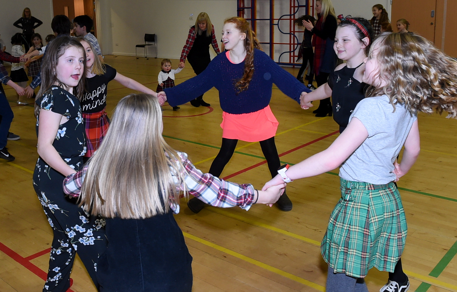 A family ceilidh at Mile End School