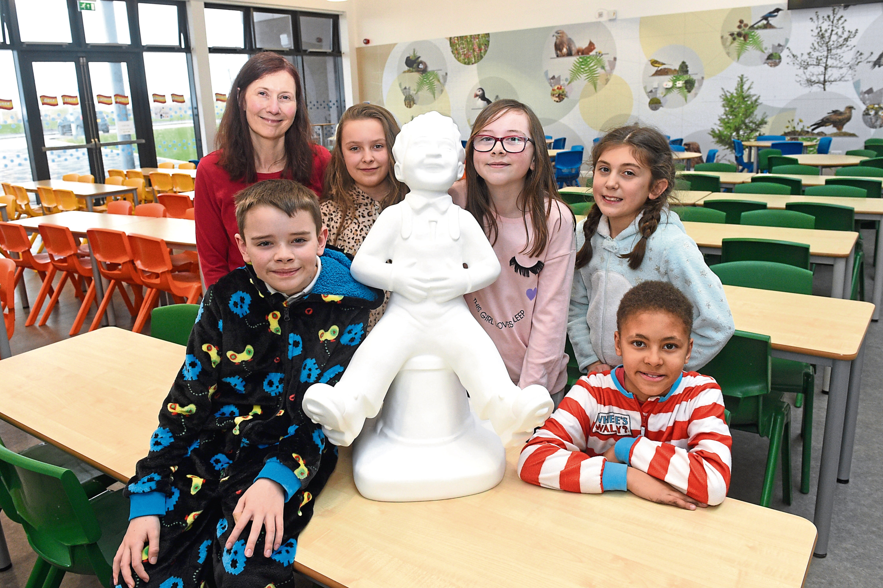 Teacher Fiona Lindsay with, from left, Luke Humphreys, Georgia Roberts, Emily Thomson, Lillian Morrison and Reuben Doran, along with the miniature Oor Wullie sculpture which is to be decorated