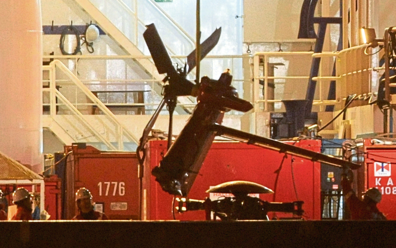 Unloading wreckage of the Super puma at Aberdeen harbour in 2009