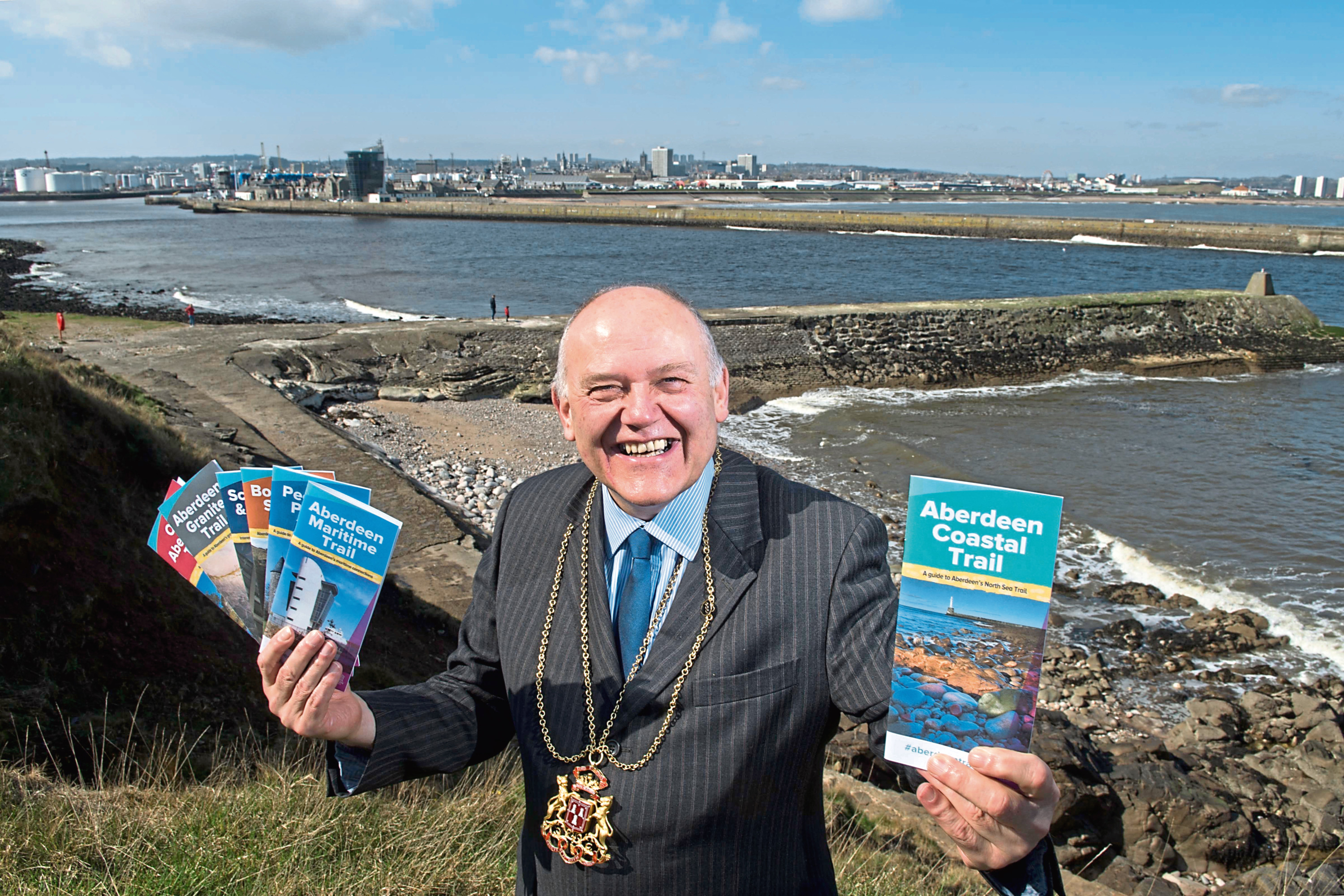 Lord Provost Barney Crockett with the guides