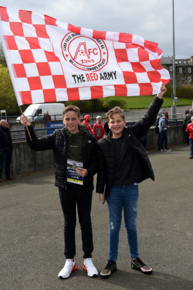 (L-R) Louie Paterson, 12, and Ross Young, 12.