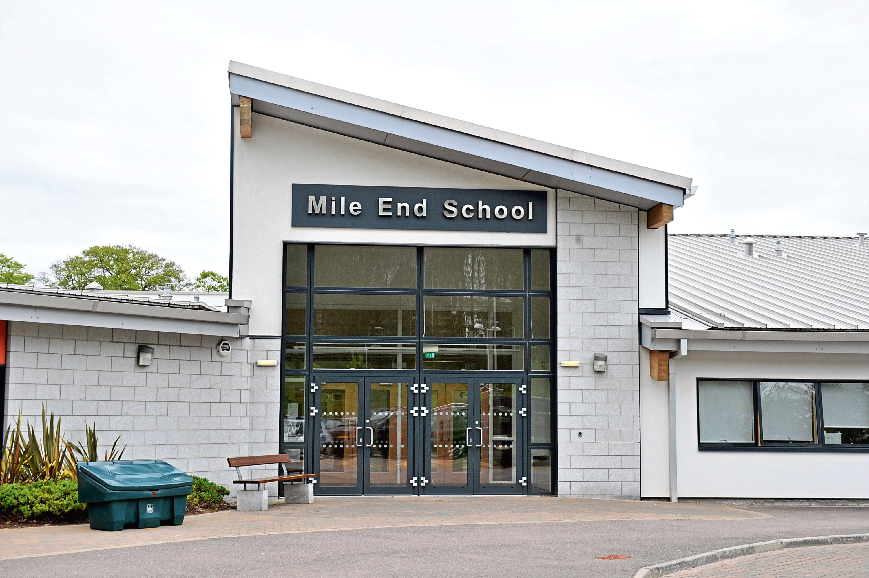 Mile End School's head teacher George Roberts told parents of cutbacks to resources