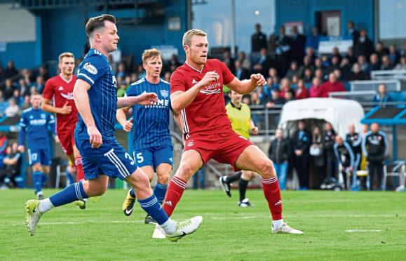 Aberdeen's Sam Cosgrove opens the scoring to make it 1-0