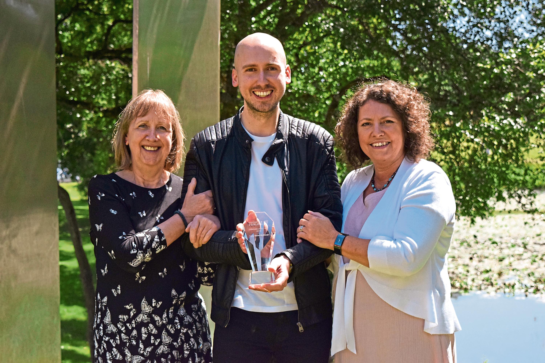 Mum Nancy McEwan, Dale McEwan and Deborah Miller, head of global alumni and business engagement at the University of Stirling