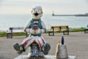 Oor Wullie prepares for the hot temperatures with a hat and some sun cream
