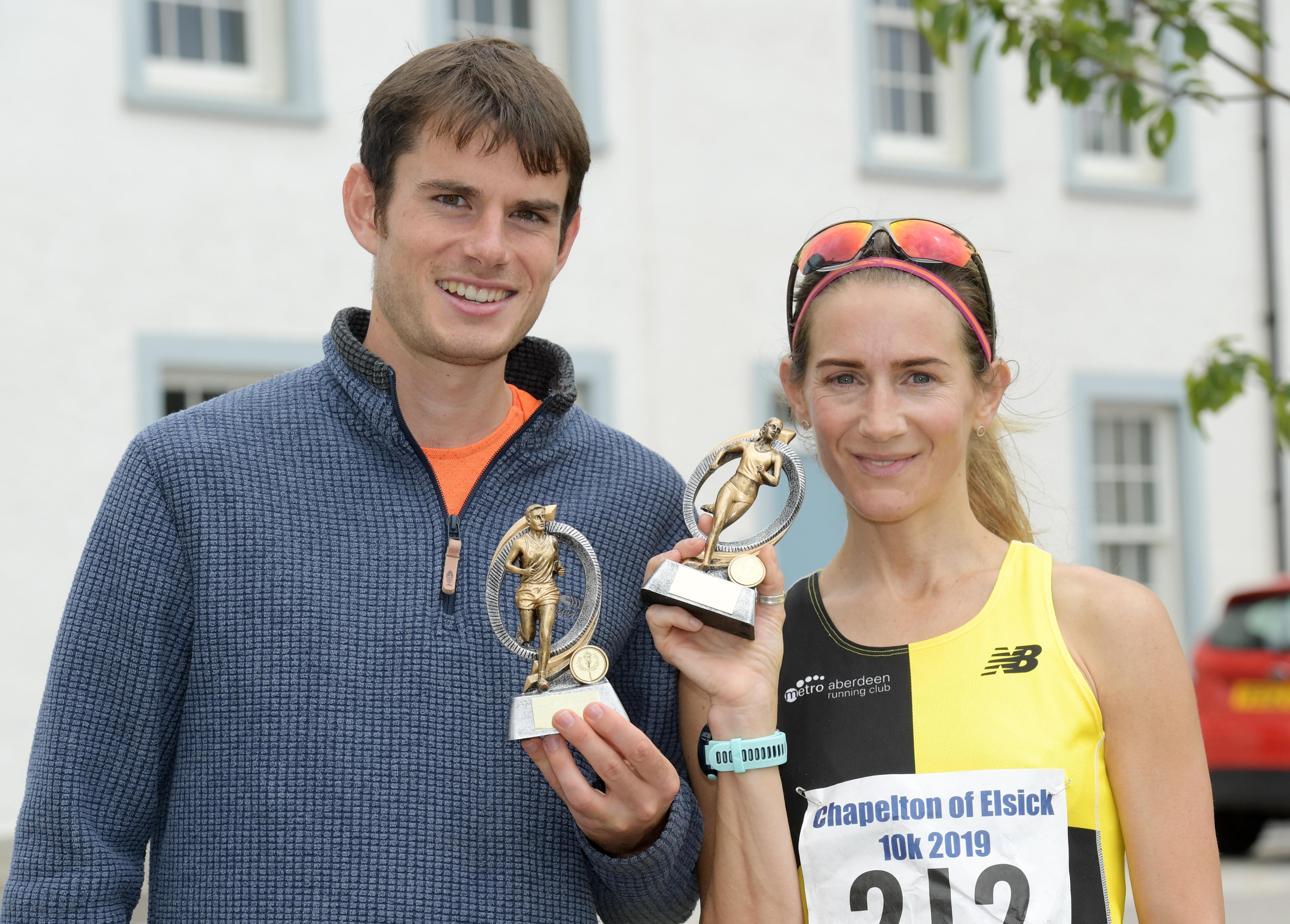 Men's winner Robbie Simpson and winner of the women's race Alison Matthews