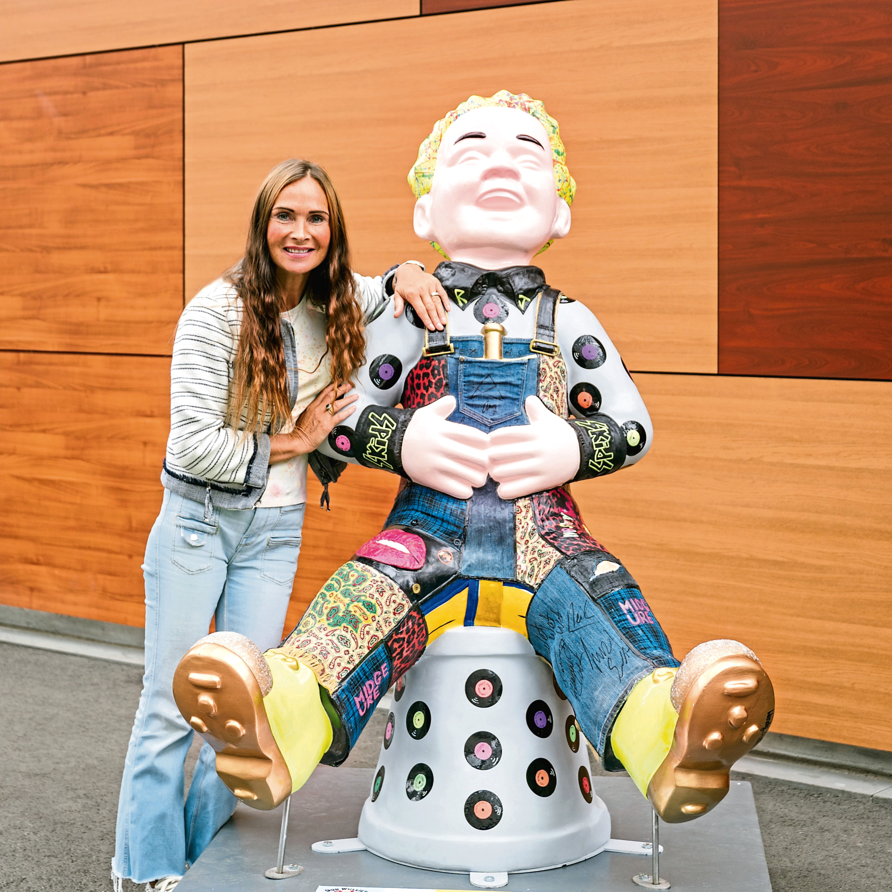 Wendy Helliwell, with her Aff Yir Rocker Oor Wullie statue, is bringing her work to Aberdeen Art Fair next weekend at the Music Hall