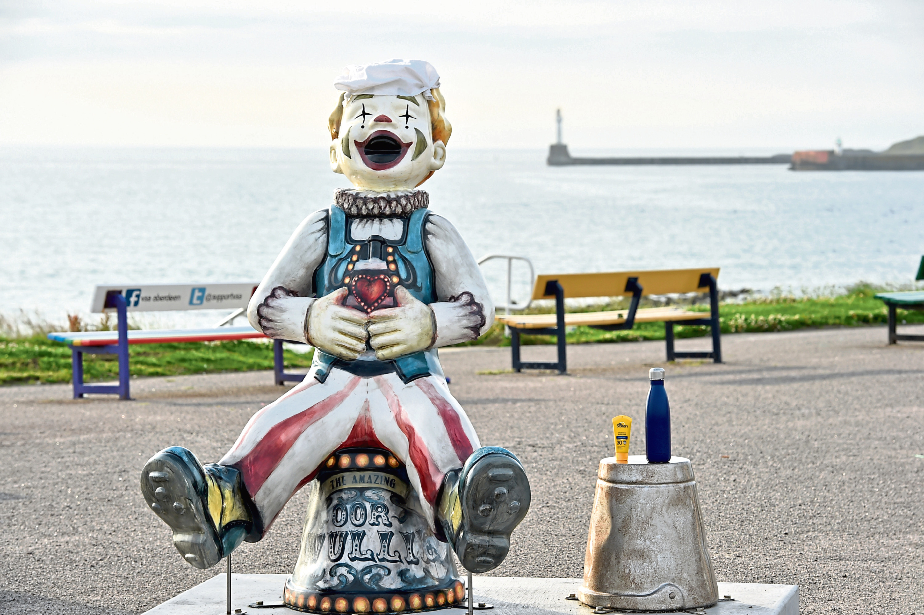 The UK braces itself for the hottest day of the year. Oor Wullie at Aberdeen beach prepares for the heat. 18C at 7 a.m. Picture by COLIN RENNIE  July 25, 2019