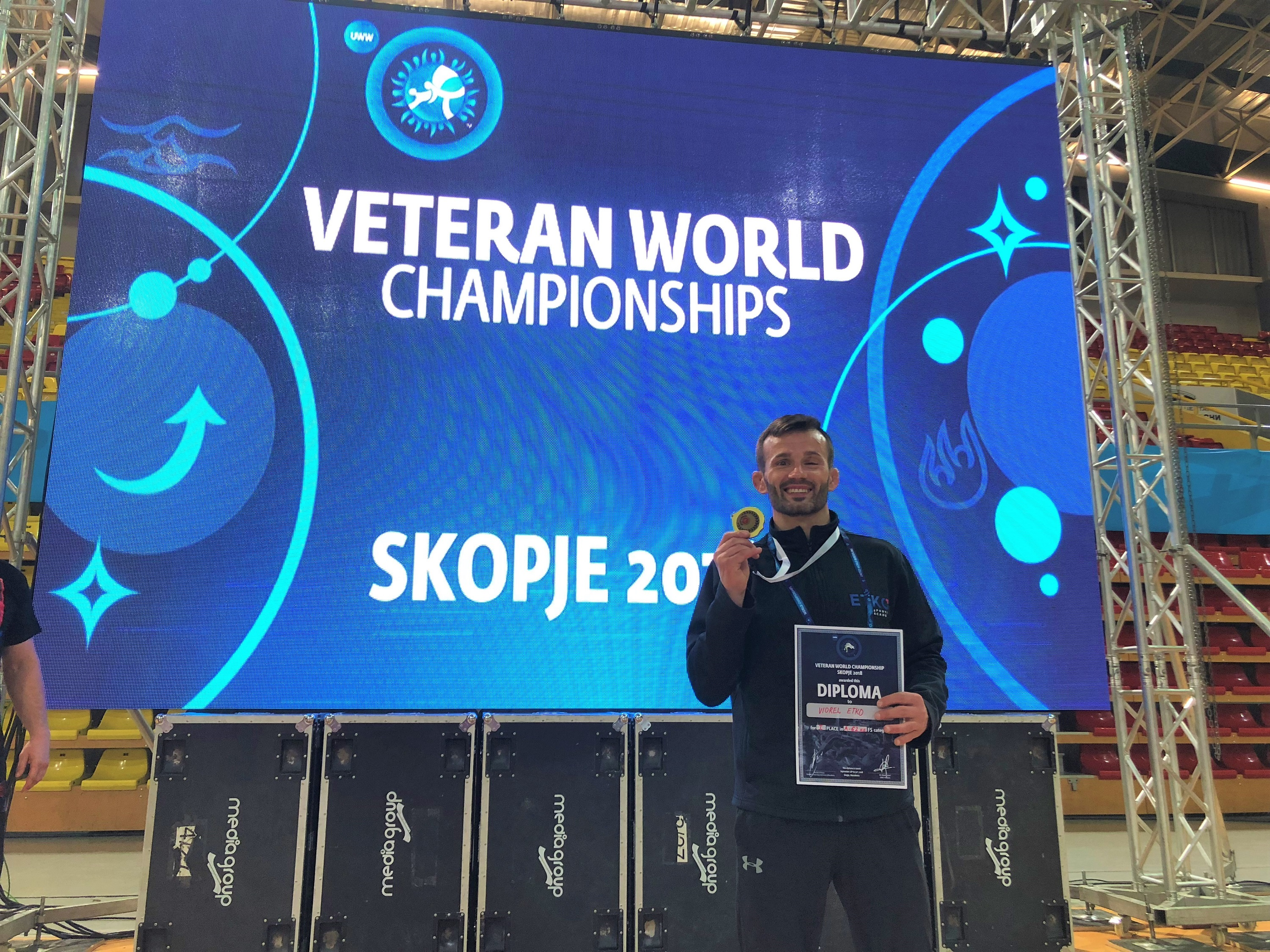 Vio Etko with his gold medal