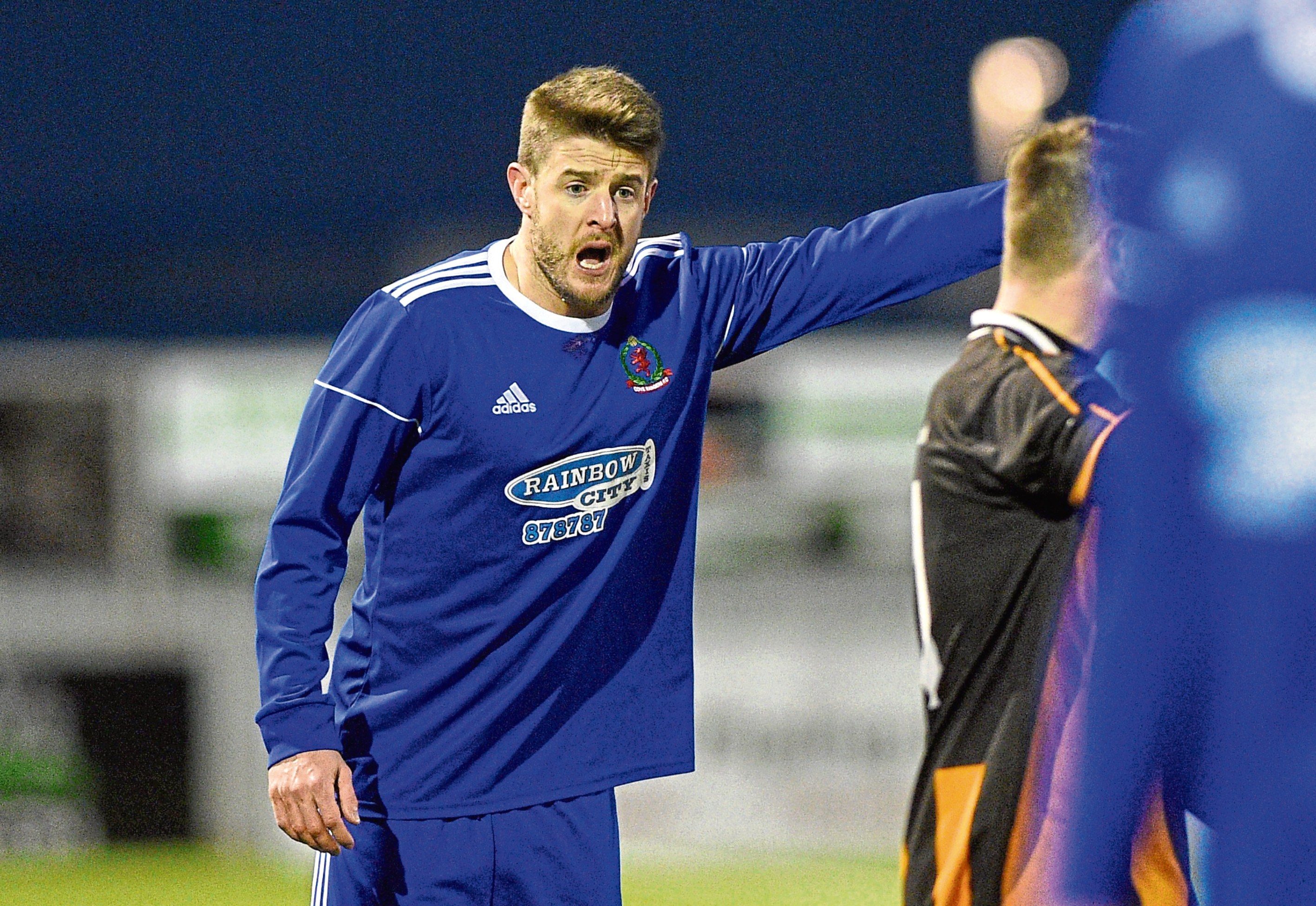Darryn Kelly in action for Cove Rangers