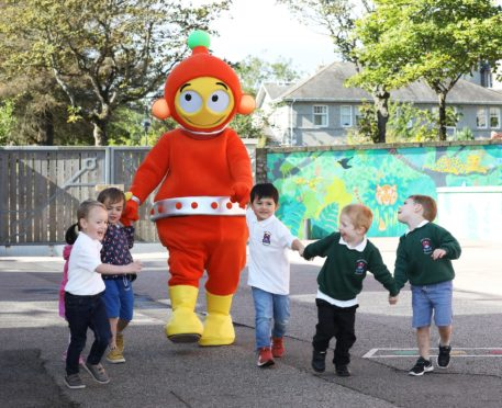 The visit was part of the Go Safe with Ziggy tour, aiming to keep children safe on the roads
