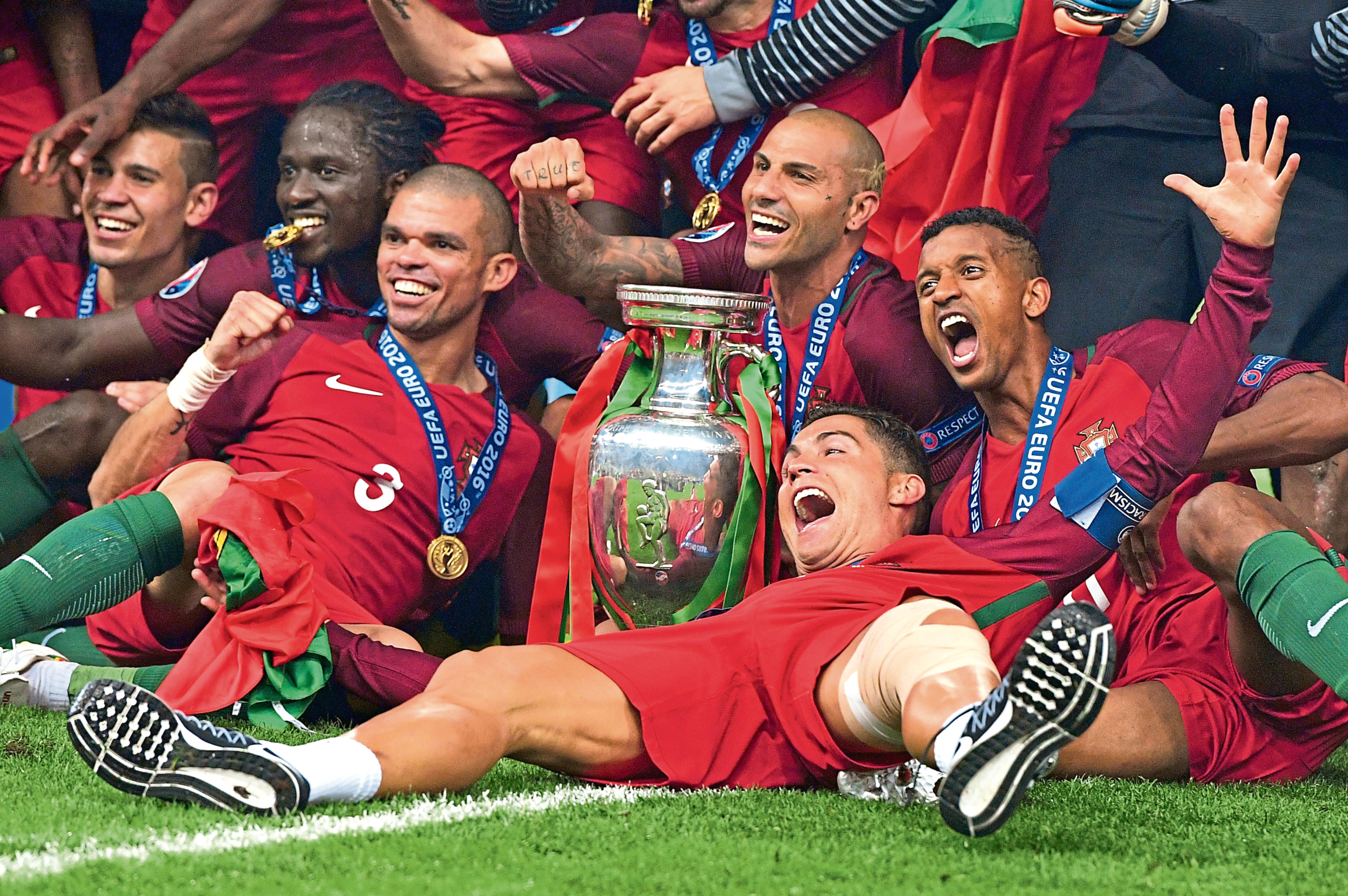 The Portugal team with the trophy in 2016