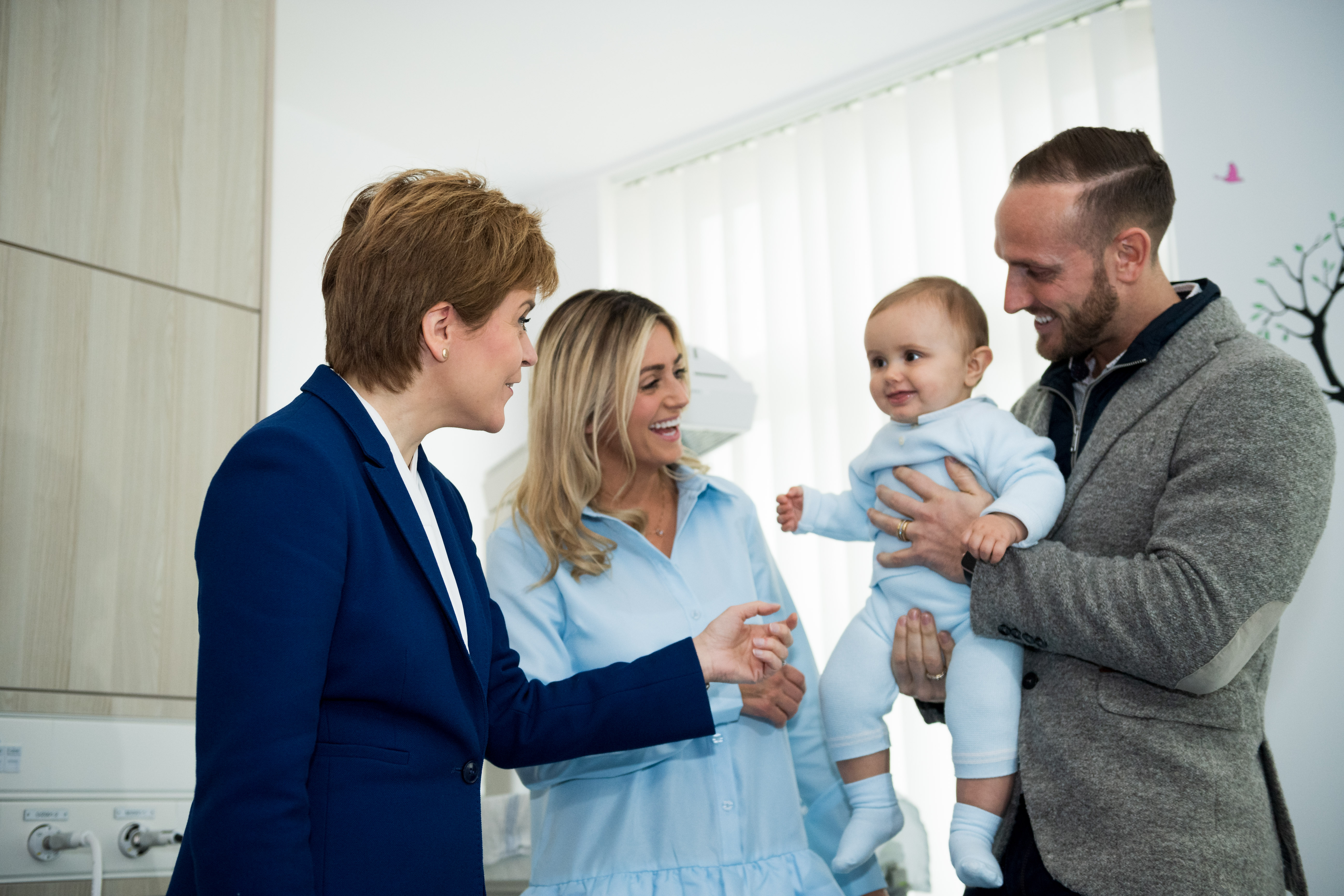 First Minister meeting the first baby born in the new maternity ward, from left is Nicola Sturgeon, Cruz Smith and his parents Yolanda and Jonn Smith.