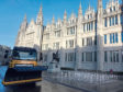 The gold gritter outside Marischal College.