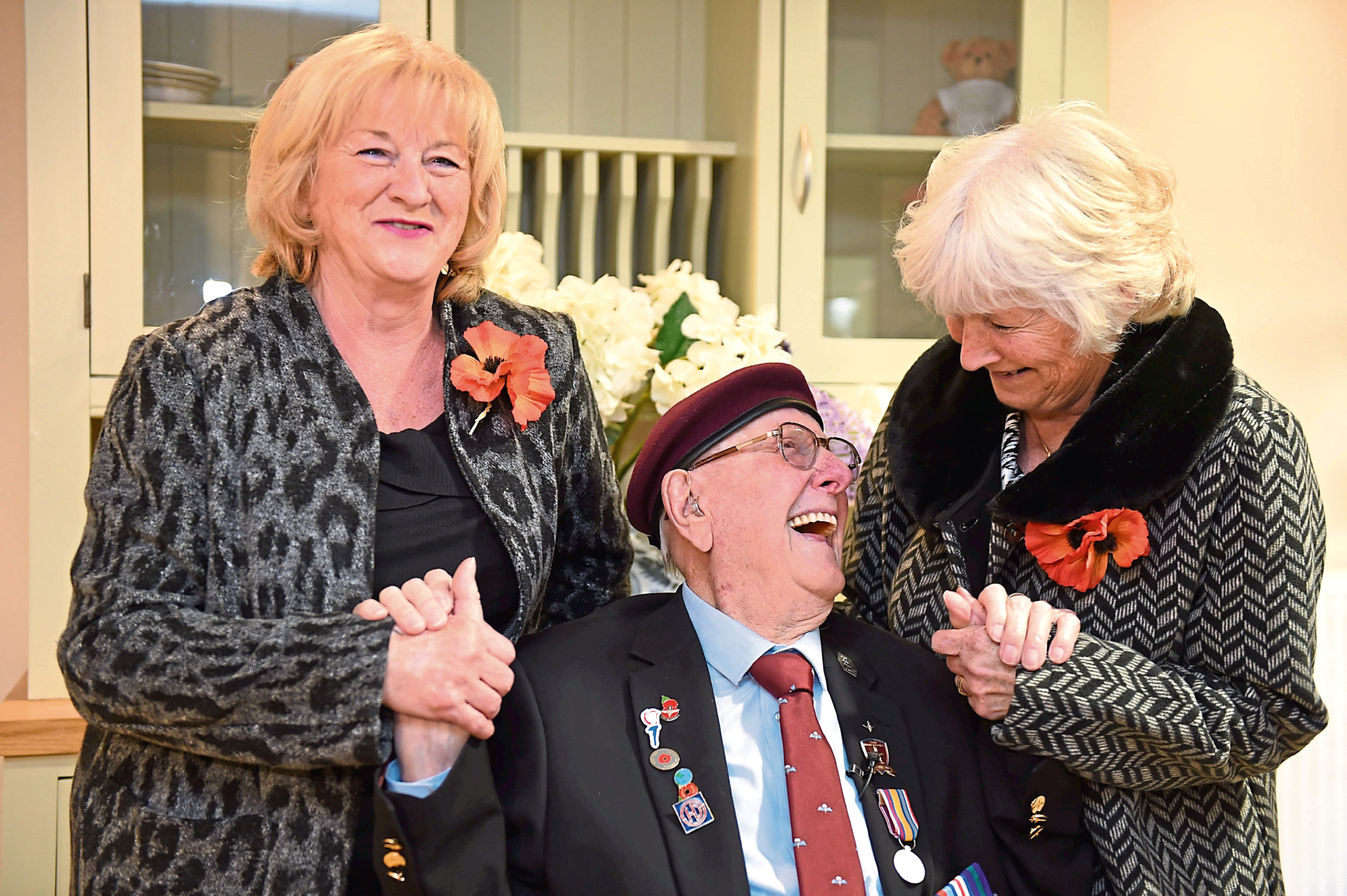 Sandy with his nieces Irene Campbell and Pat Duthie