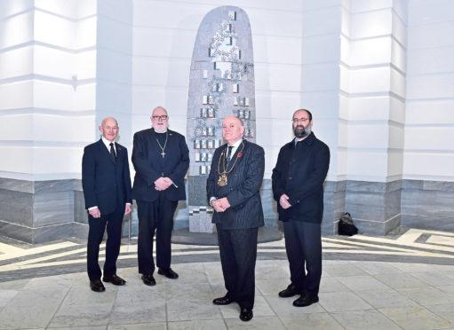 Sculpture designer Gordon Burnett, the Reverent Hutton Steet, Lord Provost Barney Crockett and religious leader Emad Jodeh