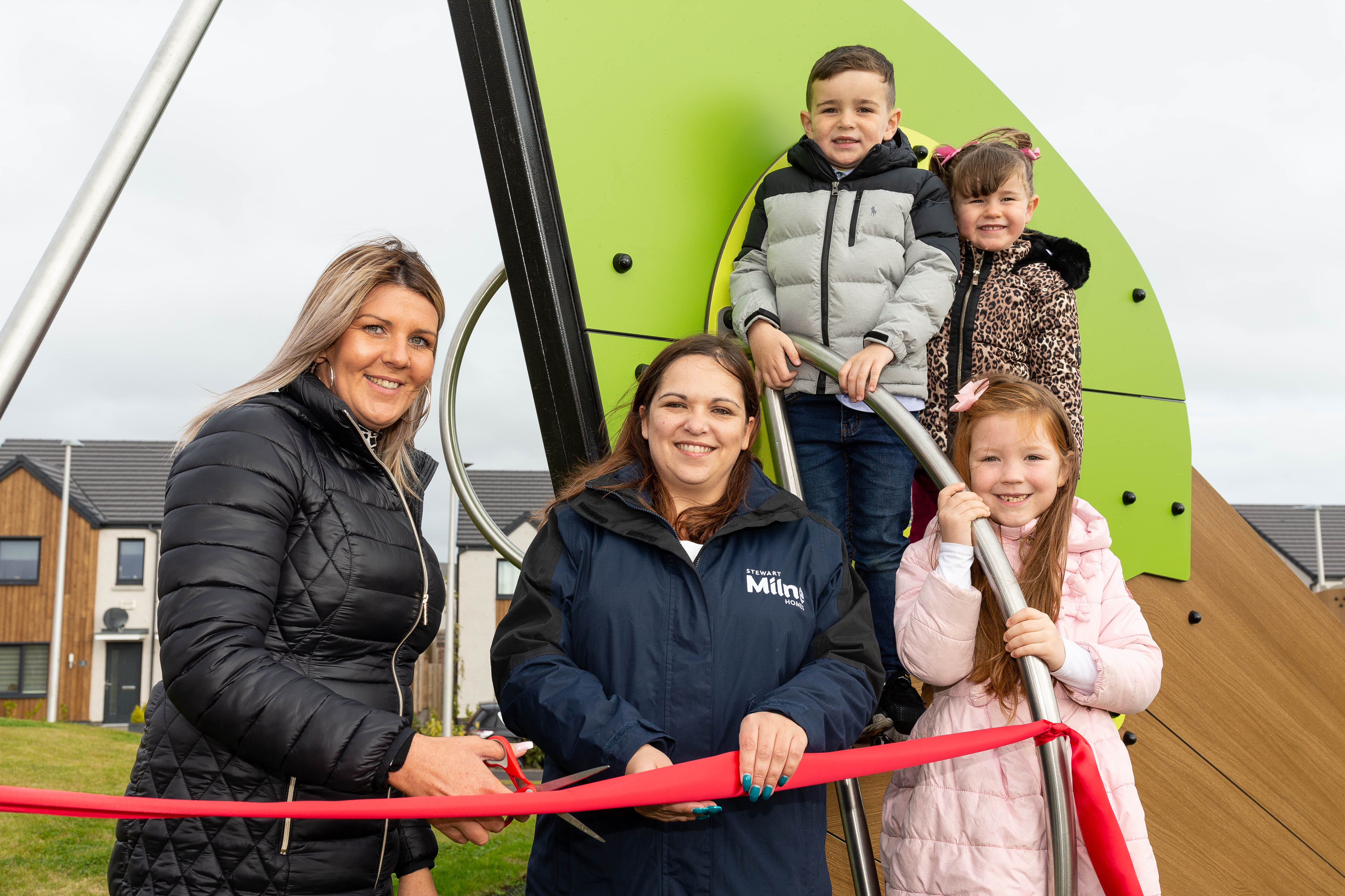 Sarah Lillie from PTA with Gwen Marcar from Stewart Milne Homes and Josh Lillie, with Sophie Lille, 4 and Emily Fowlie