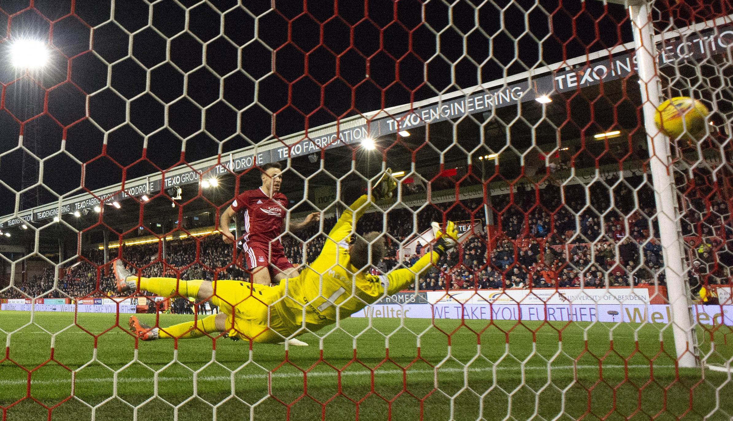 Aberdeen's Andy Considine makes it 2-2 against Rangers.
