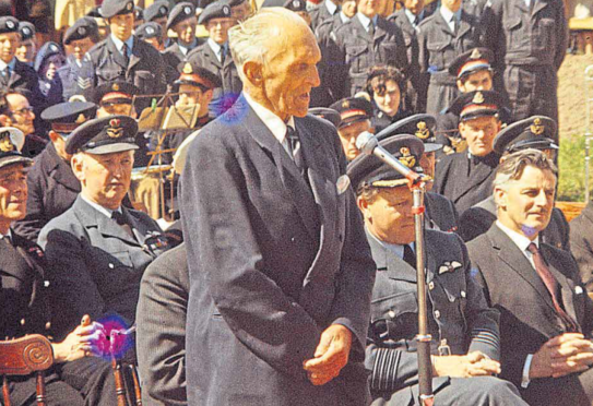 Tryggve Gran at the 1971 plaque unveiling in Cruden Bay to commemorate his remarkable achievement in July 1914