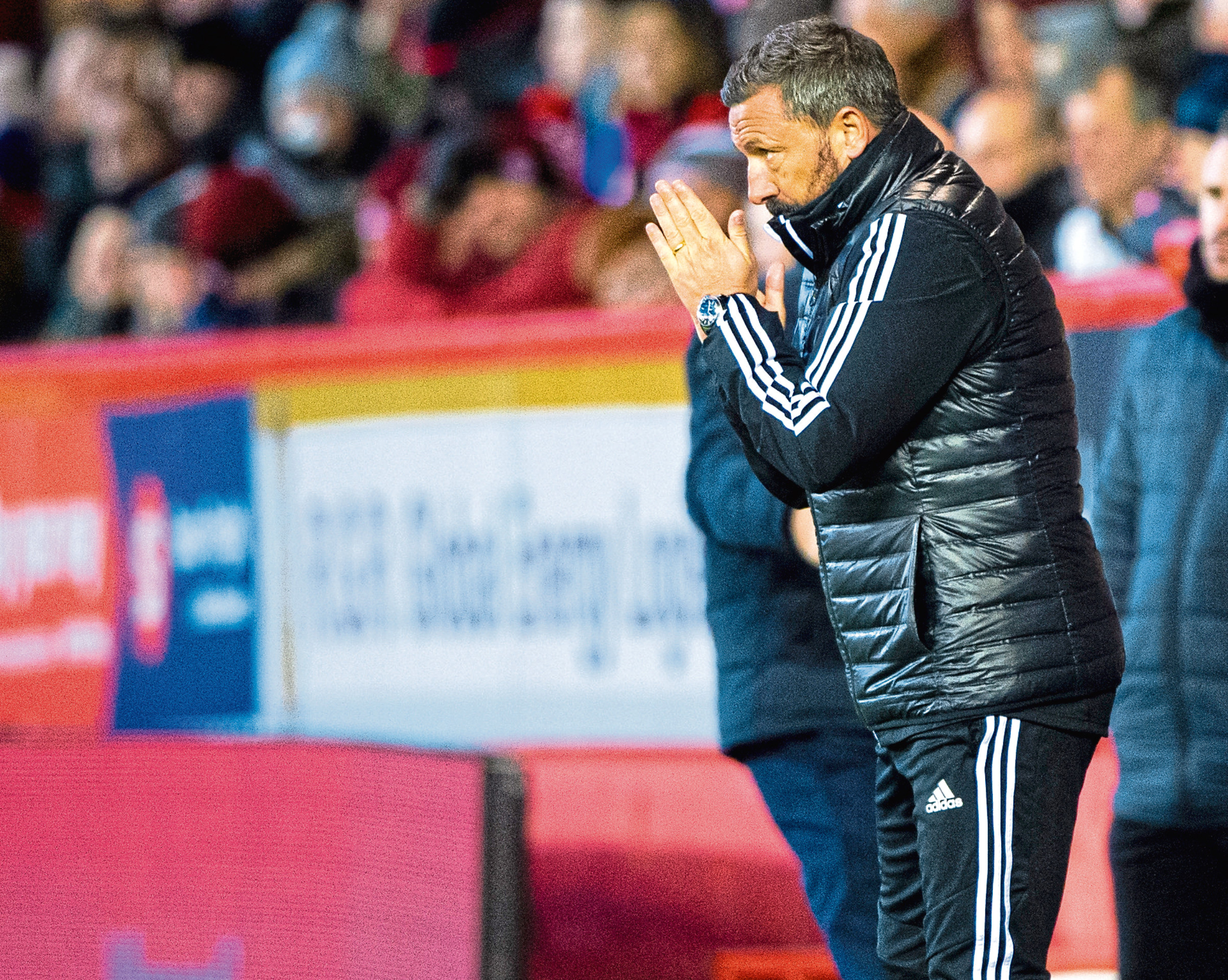 McInnes has called for the Aberdeen fans to rally behind the team.