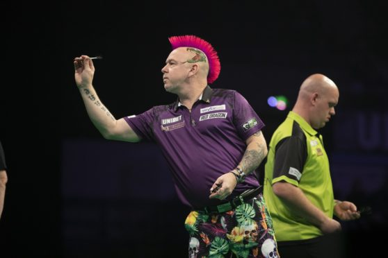 UNIBET PREMIER LEAGUE DARTS 2019 FLYDSA ARENA , SHEFFIELD PIC LAWRENCE LUSTIG MICHAEL VAN GERWEN V PETER WRIGHT PETER WRIGHT IN ACTION