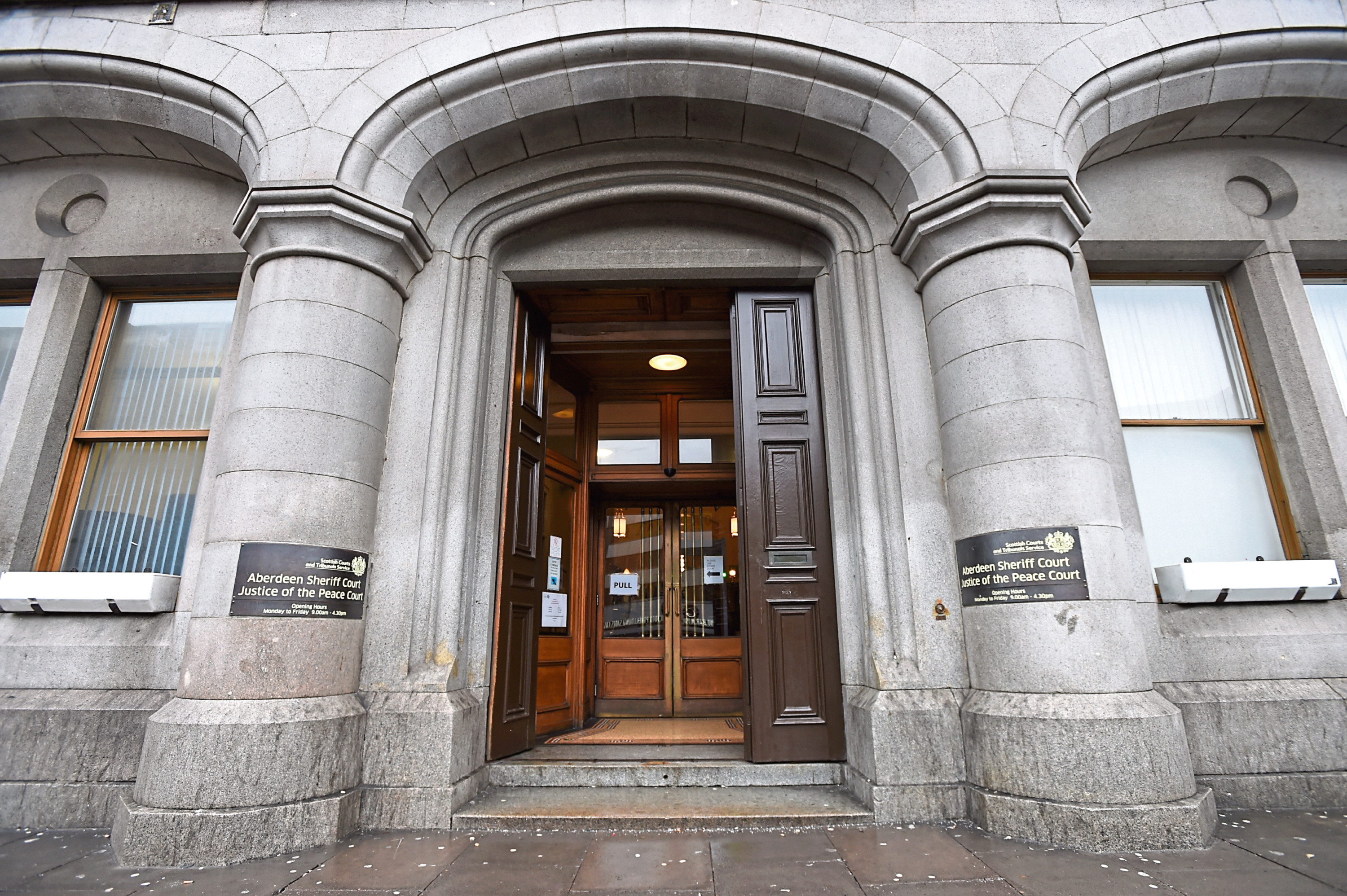 Aberdeen Sheriff Court stock