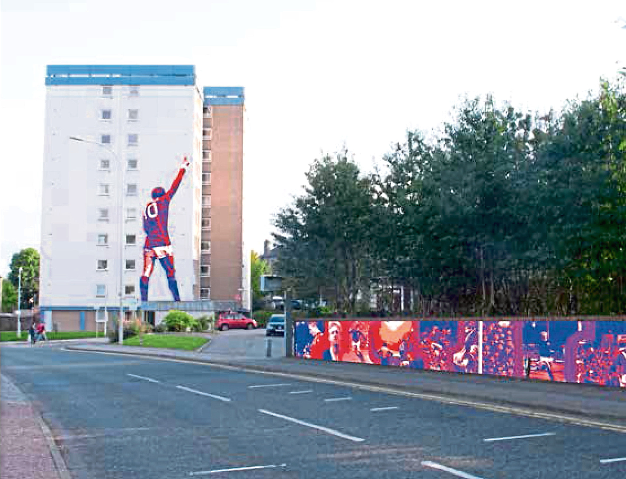 The 10-stop walking trail would see murals celebrating Denis Law created around the Printfield area