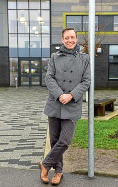Liam Kerr asked the Scottish Parliament to congratulate Inchgarth Community Centre in Garthdee.