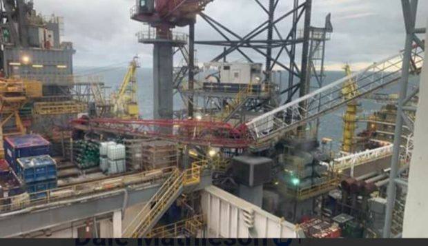 An image showing the collapsed crane from a Valaris drilling rig
